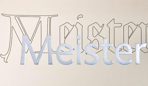 3 Meister - 1 Betrieb. Das spricht für sich.In der Meisterdrechslerei Klotz in Tscherms bei Meran setzen wir auf Südtiroler Qualität und Zuverlässigkeit. Das war bereits 1976 bei der Gründung unserer Drechslerei durch Drechslermeister Josef Klotz so und hat sich über 33 Jahre lang bis heute bewährt. 3 Meister – ein Betrieb. Das spricht für sich. Das spricht für Qualität.